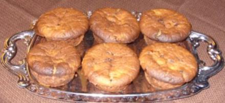 Kleingebäck - Preiselbeer- Bananen-Muffins mit Eierlikör - Rezept