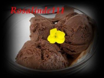 Cremiges Schokoladen-Eis - Rezept