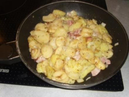 Pfannengerichte: Bratkartoffeln mit Resten von Klößen - Rezept