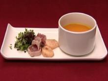 Kürbis-Ingwer-Suppe mit Tunfischfilet und Jakobsmuscheln (Manou Lubowski) - Rezept