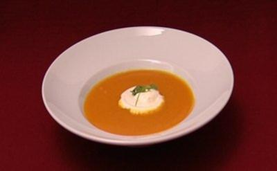 Kürbis-Orangen-Suppe (Margit Tetz) - Rezept