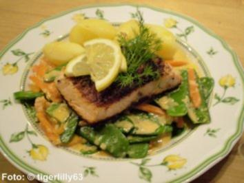 Lachsfilet auf Kaiserschoten - Rezept
