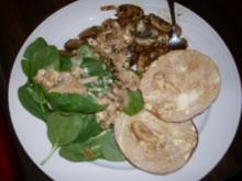 Cremige Champignons an Spinat und Toast - Rezept