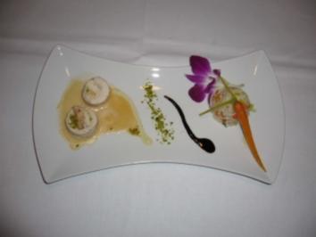 Huhn-Krebs-Roulade mit Pistaziensoße und Gemüsereis - Rezept