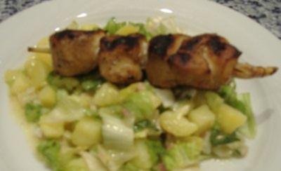 Hähnchenspieß auf warmen Endivienkartoffelsalat - Rezept