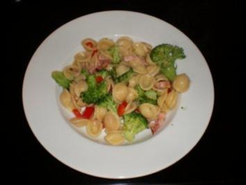 Broccoli Orecchiette mit Speckwürfeli - Rezept