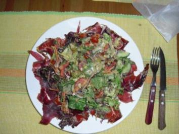 Rindschinken mit bunten Salat und Honig Senf Vingrette - Rezept