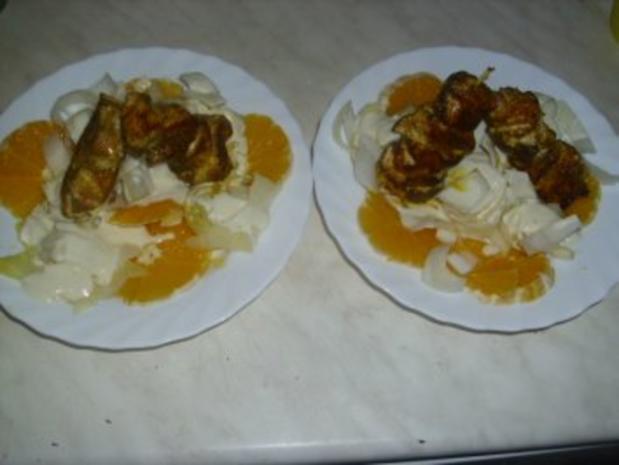 Orangen-Chicorée-Salat mit Hähnchenspießen - Rezept