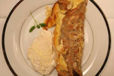 Überbackene Buchweizen–Pfannkuchen mit Pflaumenfüllung - Rezept