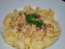 Orecchiette mit Hähnchen-Käse-Sauce - Rezept