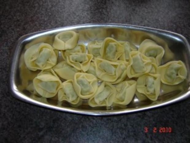 Nudeln : Tortellini mit Ricotta-Spinat-Füllung - Rezept - Bild Nr. 2