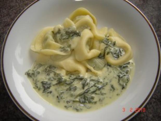 Nudeln : Tortellini mit Ricotta-Spinat-Füllung - Rezept - Bild Nr. 4