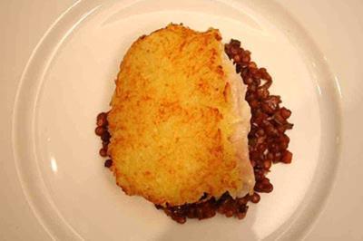 Steinbutt in Kartoffelkruste auf Linsen - Rezept