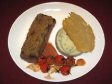 Lamm mit Kräuterhaube auf Oliven-Kartoffelcreme mit Parmesanchips - Rezept