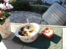 Souffle-Quark und getrocknete Pflaumen - Ich backe das fuer Fruehstueck - Rezept