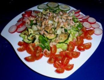 Bunter Salat mit Tiefsee-Garnelen - Rezept