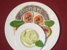 Pistazieneis auf Feigen mit grünem Pfeffer - Rezept