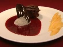 Fondant au chocolat mit Thaimango, Himbeersoße und Vanille-Mousse (Annabelle Mandeng) - Rezept