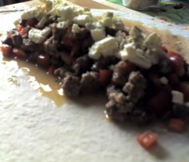 Hackfleisch-Schafskäse-Strudel - Rezept