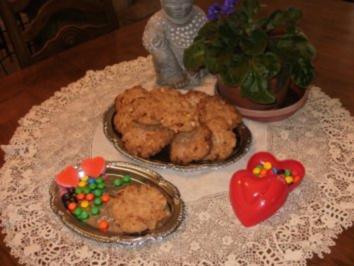 Gebaeck - Texas Groesse Mandel Krunch Cookies - Die sind mit Voll Weizenmehl gebacken - gesund - Rezept