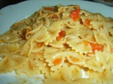 Nudeln mit Tomaten-Mozzarella-Soße - Rezept