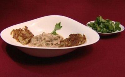 Kalbsgeschnetzeltes, dazu Rösti aus rohen Kartoffeln und Feldsalat (Horst Janson) - Rezept