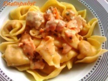 Tortellini mit Lachs-Zitronen- Sauce - Rezept