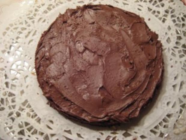 gefüllter Schokoladenkuchen für 20er Springform - Rezept - Bild Nr. 8