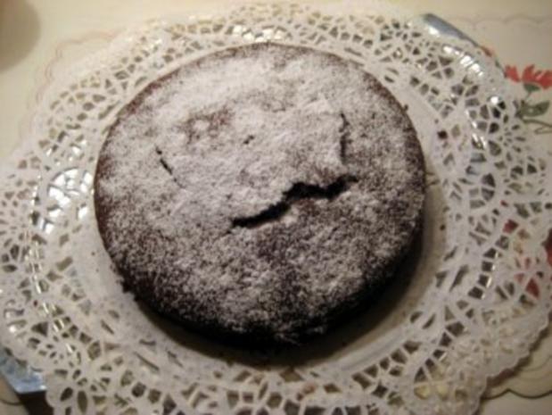 gefüllter Schokoladenkuchen für 20er Springform - Rezept
