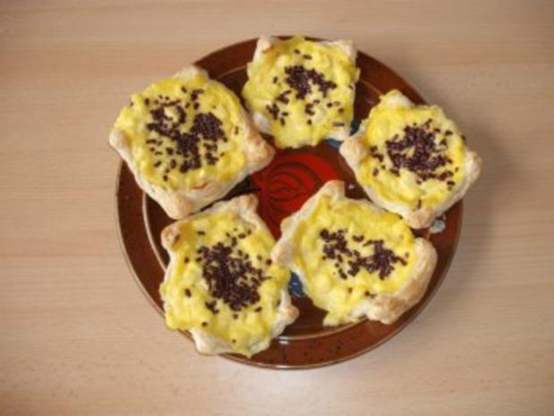 Paradiescreme mit Apfelstückchen auf Blätterteig - Rezept - Bild Nr. 8