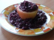Gemüse: Rotkohl in Apfelhälften - Rezept