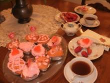 Muffin-Valentine Erdbeeren Kuchen  - Sehr schoen fuer Valentine - Rezept