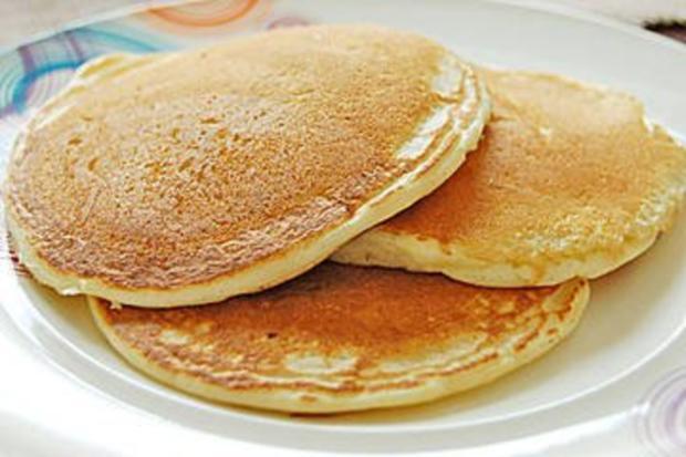 pancake mit mehl und milch rezept mit bild. Black Bedroom Furniture Sets. Home Design Ideas