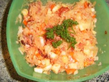 Sauerkrautsalat wie Schwiegermutter ihn machte - Rezept