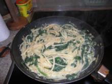 Nudeln mit Spinat-Soße - Rezept