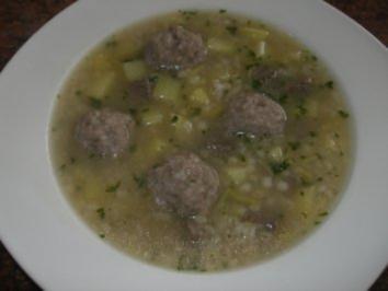 Suppe:  GRAUPENSUPPE .... mit Mettbällchen - Rezept