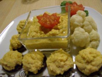 Rezept: Pumpernickeltaler mit Apfel-Eiercreme an Blumenkohl