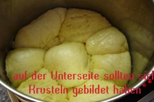 """Dampfnudeln oder auf Bayrisch """"Aufgangene"""" - Rezept - Bild Nr. 6"""