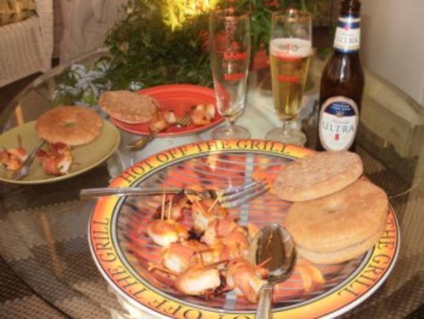 Shrimps-Roll Ups - Leicht zu machen - werden gefuellt und mit Bacon gewickelt - dann gebacken - Rezept