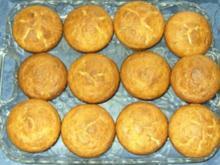 Kleingebäck - Ananas-Mohn-Muffins mit Eierlikör - Rezept