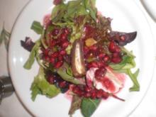 Blattsalat mit Granatapfelsoße - Rezept