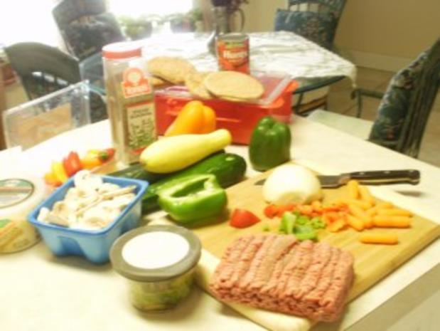 Hackfleisch -  Rind Stir Pfanne  mit allerlei Gemuesse  auf Pita Brot- Schnell und fettarm - Rezept - Bild Nr. 2