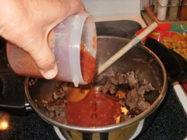 Hackfleisch -  Rind Stir Pfanne  mit allerlei Gemuesse  auf Pita Brot- Schnell und fettarm - Rezept - Bild Nr. 4