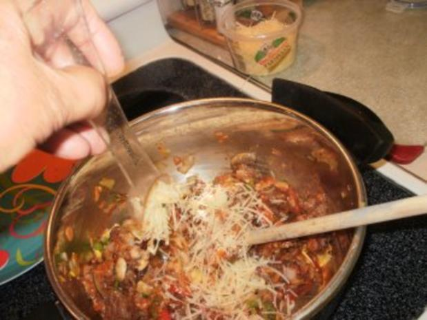 Hackfleisch -  Rind Stir Pfanne  mit allerlei Gemuesse  auf Pita Brot- Schnell und fettarm - Rezept - Bild Nr. 6