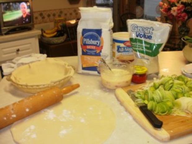 Pie- Lauch, Zwiebel und Karoffell Pie  gebacken in einer leckeren Kurste - Amerikanisch - Rezept - Bild Nr. 4