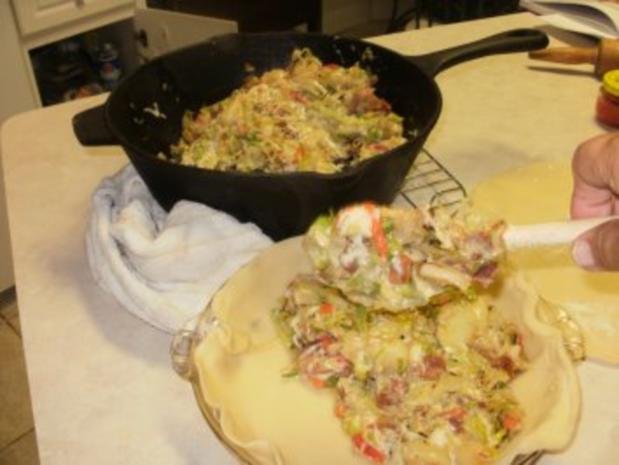 Pie- Lauch, Zwiebel und Karoffell Pie  gebacken in einer leckeren Kurste - Amerikanisch - Rezept - Bild Nr. 7