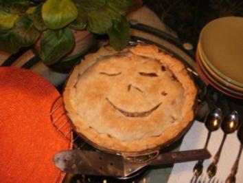 Pie- Lauch, Zwiebel und Karoffell Pie  gebacken in einer leckeren Kurste - Amerikanisch - Rezept