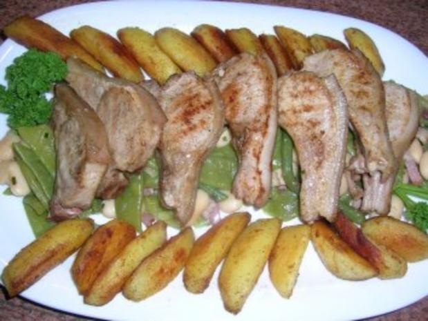 Spanferkelkoteletts mit gemischten  Bohnen und Potato Wedges - Rezept - Bild Nr. 3