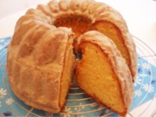 Kuchen: Eierlikör-Gugelhupf - Rezept