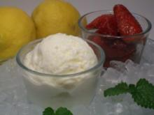 Zitronen-Mascarpone-Eiscreme zu Chili-Erdbeeren - Rezept